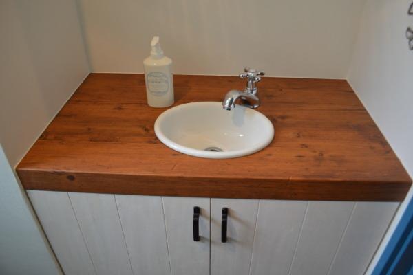 シンプルで使いやすい手洗い場