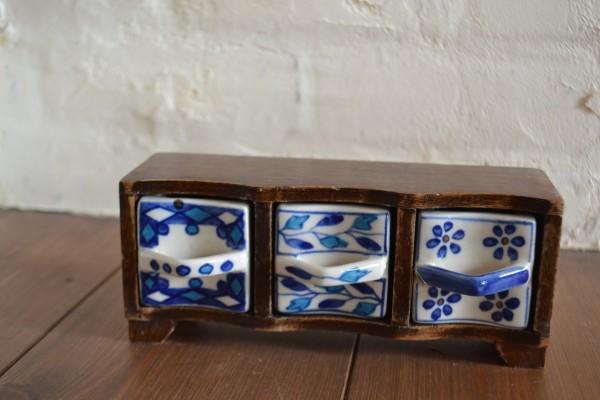陶器の小物ボックス