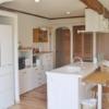 白が基調のキッチン