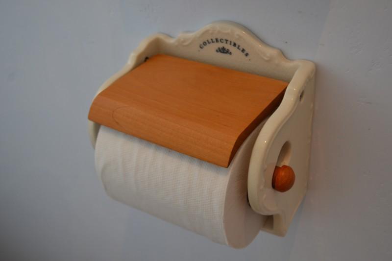 陶器のかわいいトイレットホルダー