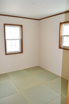琉球畳でフラットな和室