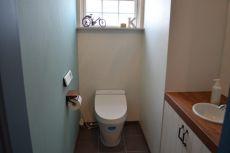 トイレは甘すぎない空間に