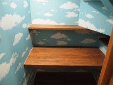 階段下はちょっとした作業スペース