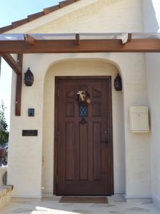 シンプソン製玄関扉