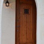 重厚感のある玄関扉