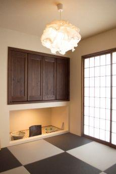 黒とグレー畳のカッコイイ和室