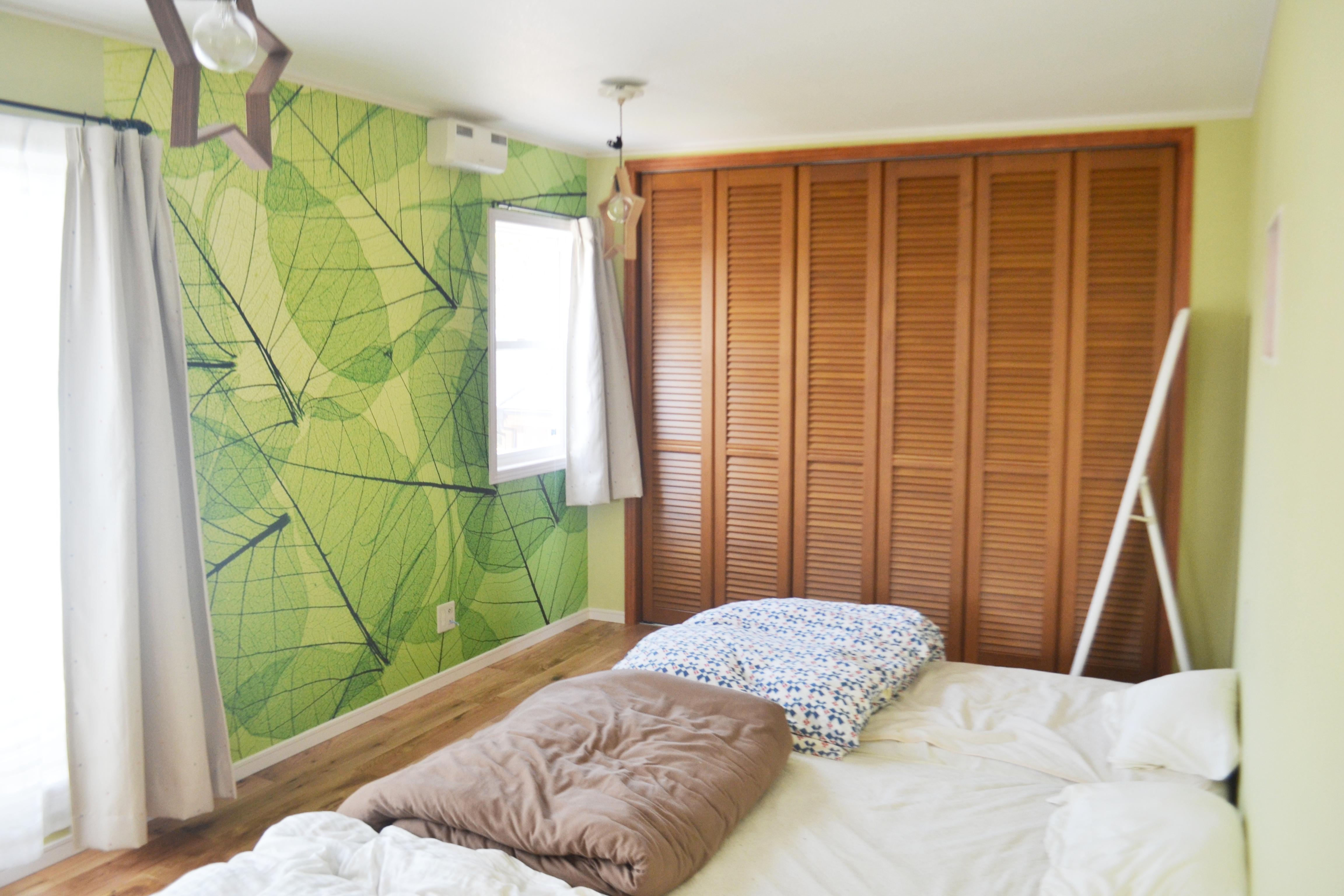 森を感じるナチュラルな主寝室