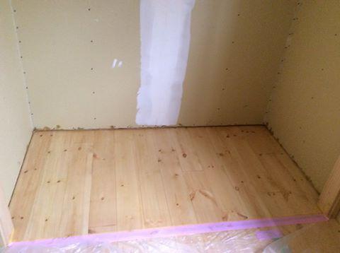 床塗装仕上がり