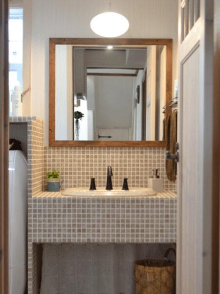 モザイクタイル型の造作洗面台
