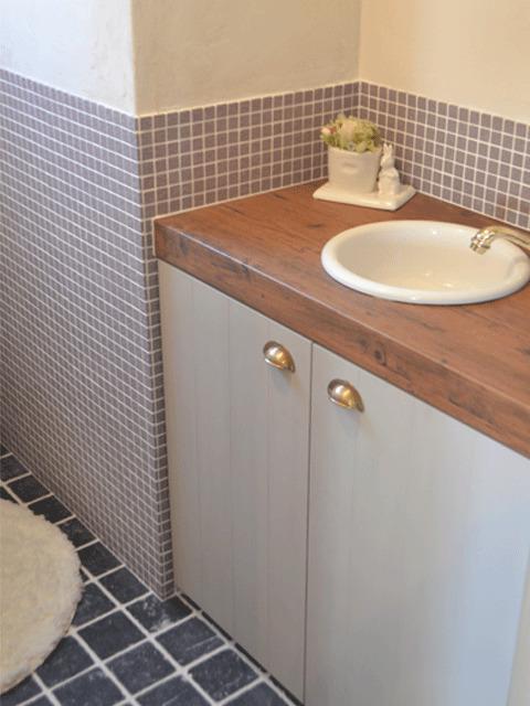 トイレ床壁タイル