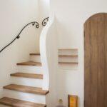 アイアン手摺階段とニッチ