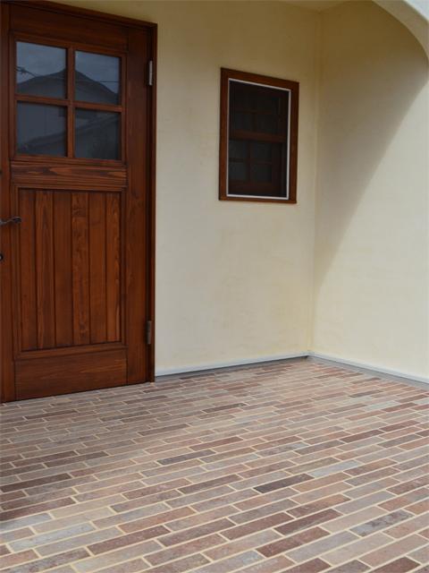 玄関ポーチタイル