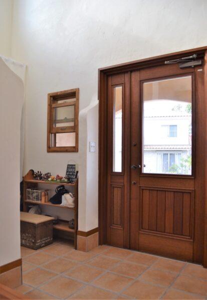 かっこいい木製玄関ドア