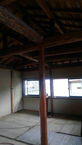 天井をはがして木造住宅リフォームはじまります
