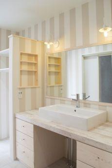 かわいい造作洗面化粧台