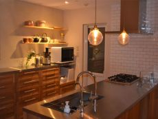 和食器も似合うキッチン