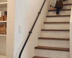 階段けこみも塗り壁仕上げ