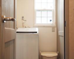 お風呂の前室は脱衣室を配置