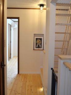 ニッチのある2階廊下